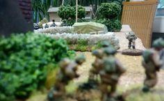 54: Der britische Fallie-Trupp mit dem schweren Mörser zieht vor. Voraus hat man die deutschen Truppen gespottet. Mit etwas Glück kann man das Überraschungsmoment für sich nutzen.