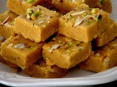 Have a sweet tooth? Did you try the #Mohanthaal aka #BesanKiBarfi aka #DilKhushal?