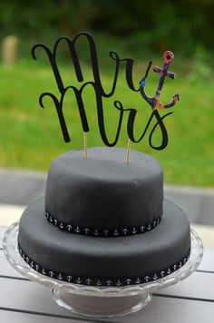 Mädchenkram Desserts, Food, Black Wedding Cakes, Baby Sister, Gift Wrapping, October, Birthday, Xmas, Backen