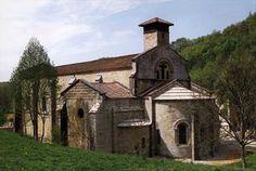 La iglesia Saint Pierre de Marnans, Rhône-Alpes, Francia http://www.isere-tourisme.com/patrimoine-culturel/eglise-saint-pierre-de-marnans