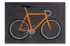 アレクサンダー・ゲルマン オレンジ色のロードバイクのラグマット