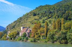 Thinking about taking a Danube River Cruise? Cruising through the Wachau Valley is one of the highlights of a Danube River Cruise. Here's what you'll see in the Wachau Valley Hawaii Travel, Asia Travel, Japan Travel, Travel Tips, Travel Destinations, Austria, Wachau Valley, Danube River Cruise, Prague Travel