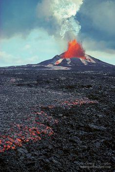 Pu'u O'o eruption and a'a lava flow; Hawaii Volcanoes National Park, Island of Hawaii.