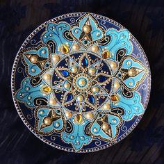 Pinturas decorativas em pratos da artista russa Dahhhanart