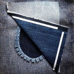 repair jeans Make a patch to cover a hole in your clothing Sewing Hacks, Sewing Tutorials, Sewing Projects, Sewing Patterns, Techniques Couture, Sewing Techniques, Sewing Clothes, Diy Clothes, Sewing Jeans