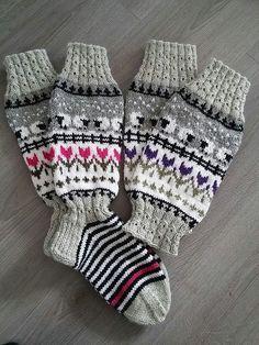 Mittens Pattern, Knit Mittens, Knitting Socks, Hand Knitting, Knitting For Kids, Baby Knitting Patterns, Knitting Stitches, Crochet Socks, Knit Or Crochet