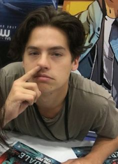 Find images and videos about dylan, cole sprouse and cole on We Heart It - the app to get lost in what you love. Riverdale Funny, Riverdale Memes, Riverdale Cast, Cole Sprouse Funny, Dylan Sprouse, Cole Sprouse Aesthetic, Cole Spouse, Zack Y Cody, Cole Sprouse Jughead