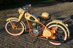 Super 4, Vintage Motorcycles, Engine, Twin, Workshop, Target, Bike, Vehicles, Classic