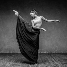 Dancer: Keyko Lee https://www.instagram.com/p/BN4bFKijG6S/