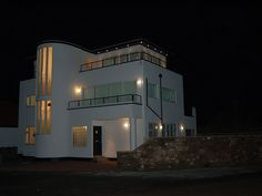 Luxury Art Deco house with stunnng sea views! Directly opposite The Haven beach - Beadnell Art Deco Home, 4 Bedroom House, Art Deco Design, Trip Advisor, Cottage, Mansions, Luxury, Architecture, House Styles