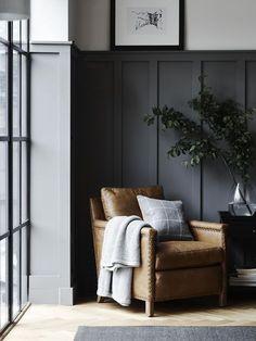 Ideas For Dark Wood Furniture Decor Hallways Interior Door Colors, Interior Paint, Interior Design, Interior Shutters, Design Interiors, Living Room Wood Floor, Living Room Chairs, Dining Rooms, Dark Wood Furniture