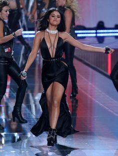selena gomez at victoria secrets show | Selena Gomez bei der Victoria's Secret Show 2015