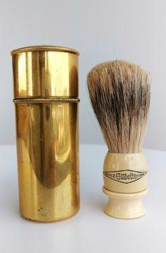 [Imagem: 7f8460ab8106a1119be388b3b48e0f27--shaving-brushes.jpg]
