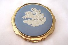 Vintage Wedgewood powder compact by Stratton