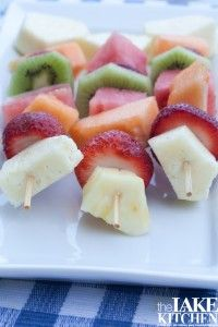Great summer picnic food! Fruit Kabobs!