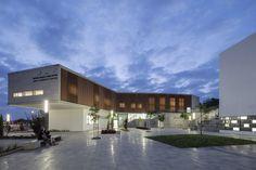 Gallery of Rehovot Community Center / Kimmel Eshkolot Architects - 18