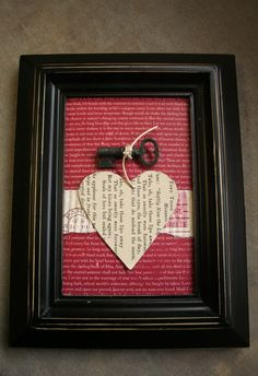 Idea: Do this with metal heart on chicken wire frame for outdoor garden art Vintage Keys, Vintage Heart, Holiday Decorating, Decorating Ideas, Valentine Crafts, Valentines, Key Decorations, Project Ideas, Craft Projects
