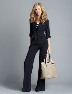 Leggings are extremely forgiving pants. These pants are constructed from the maximal quality materials, ensuring a long-lasting and long-lasting workwear clothing item. Work pants are a necessity f… Business Outfits, Office Outfits, Work Outfits, Business Clothes, Business Attire, Business Casual, Summer Fashion Trends, Spring Summer Fashion, Work Fashion