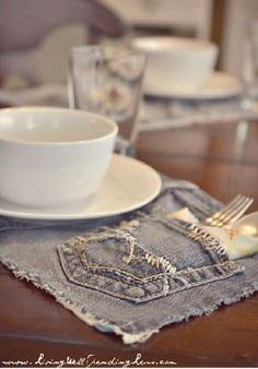 DIY Denim Placemats – Make your old jeans into a conversation piece!