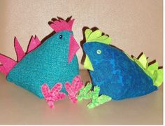 Chicken Bookends. The pattern originally came from here -http://www.quiltingworks.com/cabin-fever/projects/chicken-pin-cushion.htm however I added the pipecleaner feet and changed the tail. Also used a mixture of stuffing and childrens sand which was added into a sandwich bag. I will upload a guide on my craft board as an aide memoire.