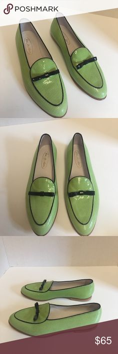 New shoe be doo Green patent leather bow flats Gorgeous pair of green patent leather flats with black bow trim. Leather insole and leather upper. Made in Italy. Euro size 37 fit like size 6 1/2. shoe be doo Shoes Flats & Loafers