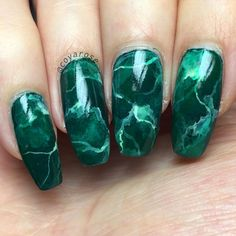 Green marble malachite nails nail art