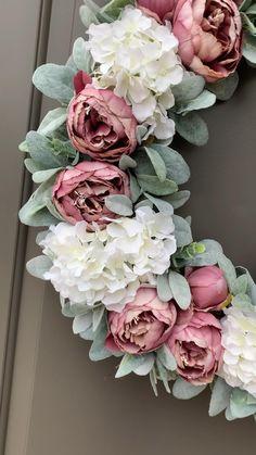 Spring Front Door Wreaths, Diy Spring Wreath, Diy Wreath, Holiday Wreaths, Easter Wreaths Diy, Diy Door, Door Entryway, Lambs Ear, Pink Peonies