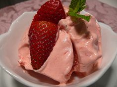 The Perfect Passover Dessert...Strawberry Mousse