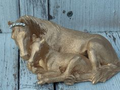 Mama and me, mama horse, horse figurine, goldtone horse, small horse accent, horse decor, baby horse, farm Christmas, mother's gift by ChippedPaints on Etsy