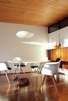 Sama seinä ja katto