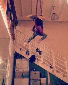 Some hammock flow. #aerial #aerialist #aerialarts #aerialnation #aerialyoga #aerialistsofig #aerialfitness #tissu #telas #circus #cirque #circusarts #circo #flexible #flexibility #fit #fitgirl #fitness #strong #strength #spinning #flow #passion #aerialsling #sling #aerialhammock #hammock #aerialsilks #silks Aerial Hammock, Aerial Dance, Aerial Silks, Aerial Yoga, Aerial Arts, Spinning, Flexibility, Flow, Strength