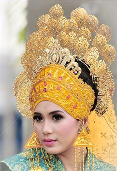 76 Best Indonesian Women images  Dutch east indies, Indonesian women, Javanese