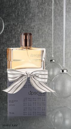 Upscale™ Eau de Parfum é a fragrância perfeita para o homem sofisticado, seguro e cheio de personalidade. Marque presença.