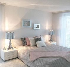 Grey Bedroom Ideas - Breaking monotony is key when coming close to a gray bedroom. as well as select a brighter color next to the grey tone to make it much more interesting. Dream Rooms, Dream Bedroom, Home Bedroom, Bedrooms, Master Bedroom, Girls Bedroom, Living Room Decor Curtains, Bedroom Decor, Bedroom Ideas