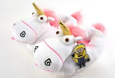 LOVE these Despicable Me Fluffy Unicorn Plush Bedroom Kids Slippers Minion Mayhem S/M/Large NEW