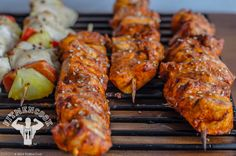 portion control chicken meal prep Sriracha Chicken, Chicken Kabobs, Tandoori Chicken, Healthy Meal Prep, Healthy Eating, Healthy Dinners, Chicken Meal Prep, Chicken Recipes, Skinny Recipes