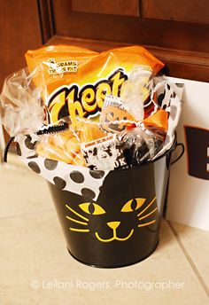 Fill Mini Buckets with Goodies for the You've Been Boo'd Game