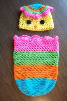 35+ Adorable Crochet and Knitted Baby Cocoon Patterns --> Happy Hatcher Chick Newborn Hat & Cocoon