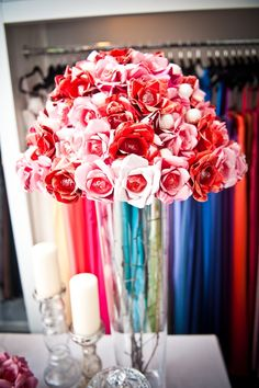 Tell me that this lollipop flower centerpiece won't be the biggest hit ever at a kid's table?