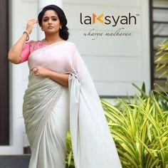 Kavya in beautiful saree Latest Saree Blouse, Latest Sarees, Dress Neck Designs, Saree Blouse Designs, Blouse Patterns, Indian Dresses, Indian Outfits, Kavya Madhavan Saree, Plain Saree