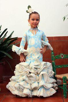 falda flamenca de niña - Buscar con Google Flamenco Skirt, Flamenco Dancers, Cute Dresses, Girls Dresses, Prom Dresses, Fair Outfits, Spanish Wedding, Skirts For Kids, Tribal Dress
