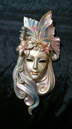 #kumdanseyler#mask#dekorasyon #duvarsüsü#polyesterboyama #kendinyap#elyapımı#maske#instasell #instaartist#boyama