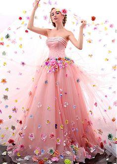 25 fabulous strapless wedding dresses #weddingdresses #weddingdress #weddinggowns #weddinggown #bridaldress