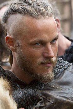 Ragnar Lothbrok - Vikings - Travis Fimmel