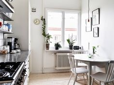 my scandinavian home: Monochrome and cognac in a vintage inspired apartment