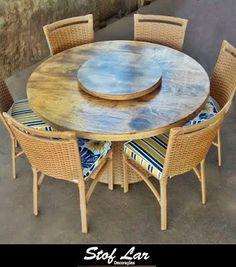 Stof Lar Decorações - Móveis em Madeira de Demolição : Mesa Redonda 1,40 com Base Carretel e Cadeiras Edu...