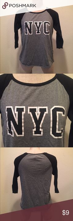 Three quarter sleeve baseball tee with NYC logo Three quarter sleeve baseball tee with NYC logo. H&M Divided Red Tops