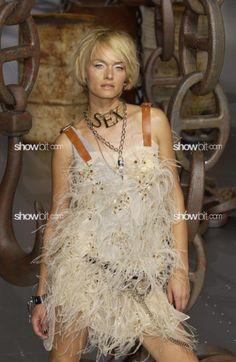 Amber Valleta at Dolce & Gabbana SS/2003