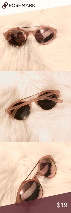 Rose gold sunglasses Gently used very good condition Accessories Glasses