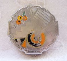 Lovely Vintage Art Deco Compact  (04/12/2012)